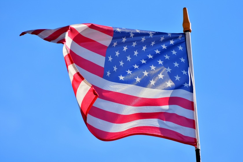 flag-3371279_1920